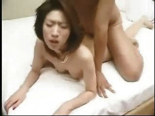 एशियाई गर्म doggystyle शरीर सह शॉट के साथ गड़बड़