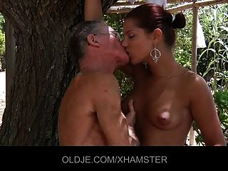 सेक्सी दूत रिवास 2 वर्ष लंड बेकार है और फिर गधा बकवास मिलता है
