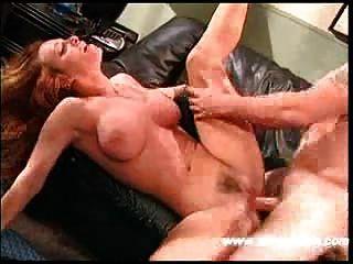 बिग Titty redheaded milf कट्टर सेक्स!