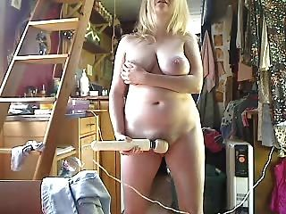 इस महिला 2 पर महान स्तन