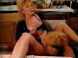 रहने वाले Debbies समलैंगिक दृश्य की रात