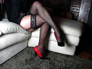 सही पैर और ऊँची एड़ी के जूते और और शरीर महिला