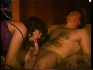 छोटी मौखिक काठी में वापस एनी - 1980
