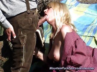 एमआईएलए पहाड़ में गुदा सेक्स प्यार करता है