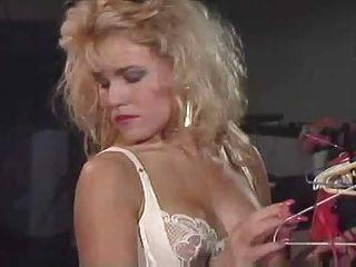 नीना और लॉरेल समलैंगिक कामोत्ताप - मैं 80 के दशक प्यार