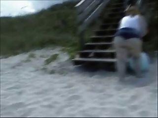 SSBBW गेंद पर bounces और एक काले आदमी बैंग्स