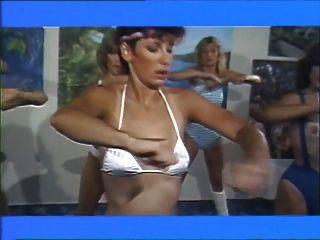 aerobisex लड़कियों 1983 - समलैंगिक फिल्म (भाग # 2)