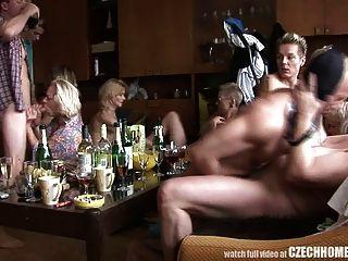 कट्टर परिपक्व घर नंगा नाच
