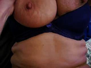 अधिक महान दादी स्तनों