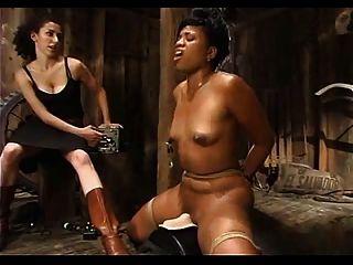 काले लड़कियों सह के लिए बाध्य - अनवरत चोट
