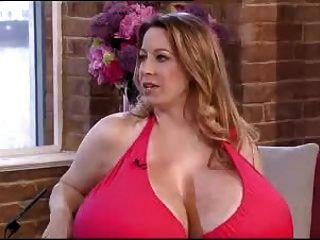 चेल्सी आकर्षण भारी स्तन साक्षात्कार