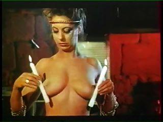 debauches anales JEUNES pucelles नवोदित डालना (1985)