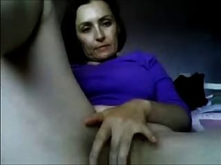 वेबकैम पर परिपक्व शौकिया माँ एमआईएलए
