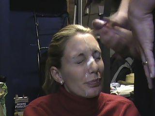 पत्नी गैरेज में बड़े पैमाने पर चेहरे receieving