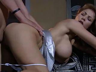 महान बड़े स्तन