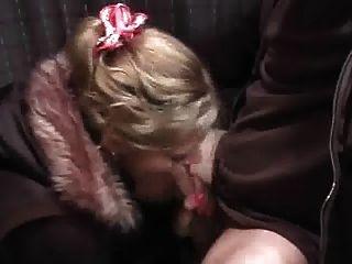 गर्म सींग का बना लड़की एक creampie लेता है।का आनंद लें