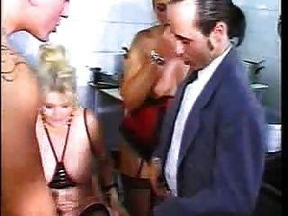 fdcrn द्वारा 3 रेस्तरां में नंगा नाच