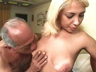 बदसूरत पुराने पुरुषों एक गोरा बकवास