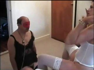 पत्नी अपने पति cucks