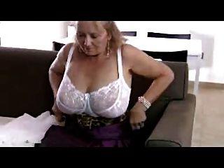 बड़ा Titta दादी R20