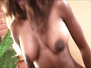 Nyomi Banxxx - काले pies में सफेद लोग