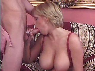 वास्तविक बड़े स्तन 3