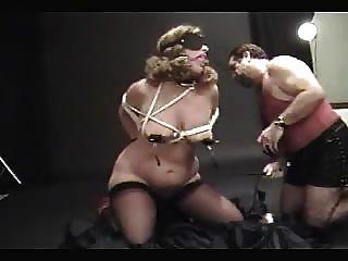 बाध्य पत्नी spanked