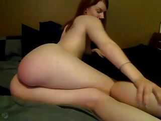 camgirl खुद spanks