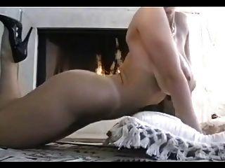 Danni Ashe स्तन आग पर (उसे 1 वीडियो)