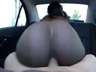 कार में creampie