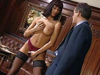 अनीता गोरा उसके मालिक seduces