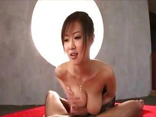 जापानी बड़े स्तन पीओवी।यह लड़की कौन है?