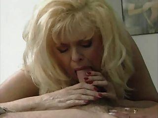 एक गर्म रास्ता 3 में सेक्सी गोरा माँ अन्ना लिसा