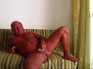 चिकनी सेक्सी पिता से दूर धड़कता है