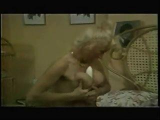 लिन आर्मिटेज और पैट व्यान चाची के लिए पागल (पूर्ण दृश्य)