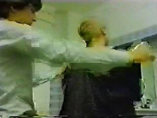 गंदे सिर (बुरा पत्नी) जर्मन सजा हजामत बनाने का काम