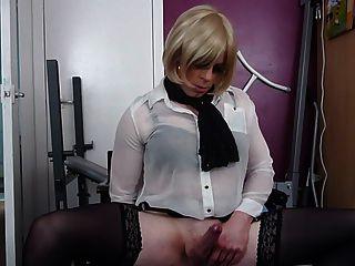 सेक्सी tranny cums