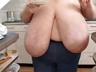 बीबीडब्ल्यू विशाल स्तन के साथ परिपक्व