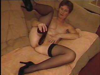 काले dildo के साथ खेल एमेच्योर परिपक्व ब्रिटेन पत्नी