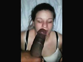 कुशल सफेद लड़की शैली के साथ काले डिक deepthroats