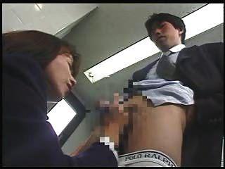 कहीं भी जापानी महिला handjob 1