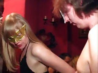 जर्मन परिपक्व sluts गैंगबैंग