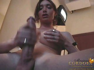 मारियाना कॉर्डोबा उसका मुर्गा