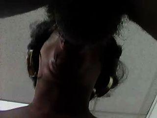 बड़े स्तन के साथ काली लड़की -prt-