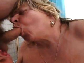 बीबीडब्ल्यू दादी पुराने लिंग चूसने