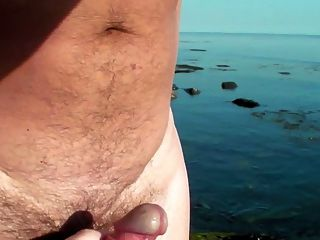 ब्रिटेन Beachcomber फिर भाग्यशाली हो जाता है ...