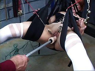 प्यारा, परिपक्व रेड इंडियन एक सेक्स स्विंग में साथ toyed उसे बिल्ली हो जाता है