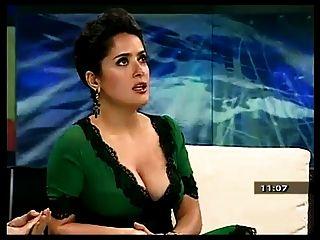 सलमा हायेक और उसे अच्छा स्तन।