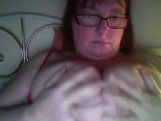 बड़े स्तन बड़ी बिल्ली एम एम एम