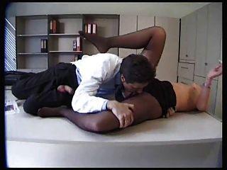 काले pantyhose में सेक्सी रोगी गड़बड़ हो जाता है